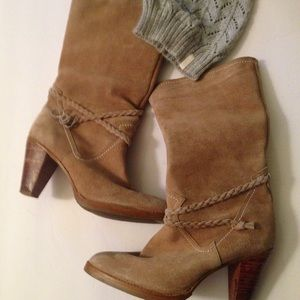 Chandra suede cowboys boots size 8